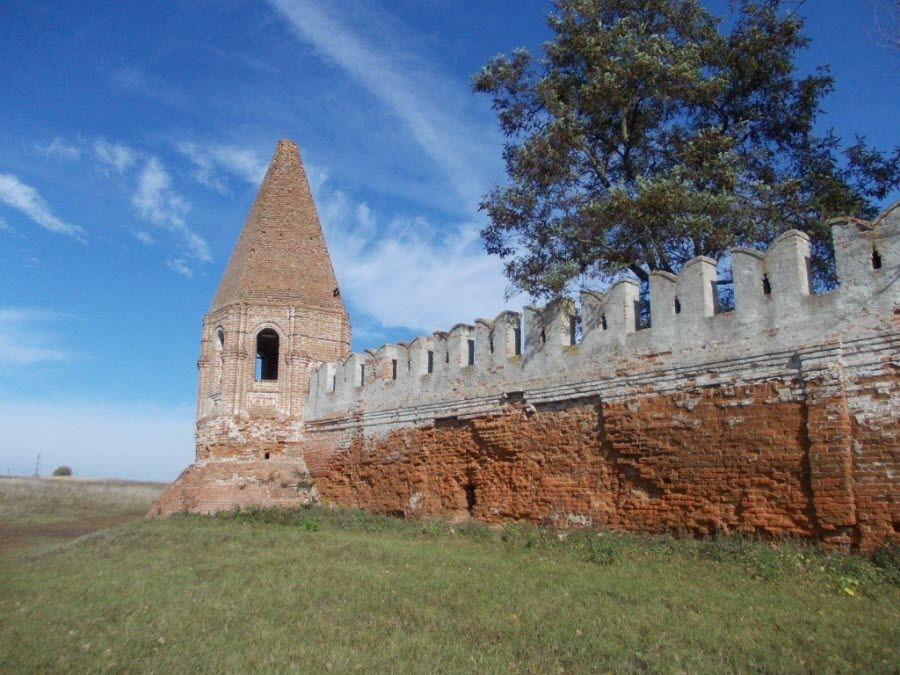 Bryansk-region-Sevsk-Monastery-wall